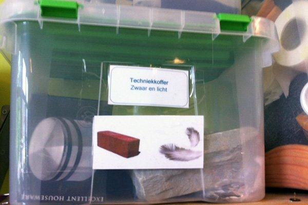 Techniekkoffers van juf Evy - zwaar en licht - Lespakket